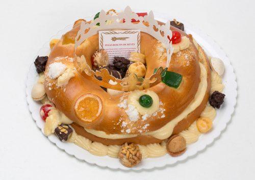 Roscón de Reyes relleno de crema